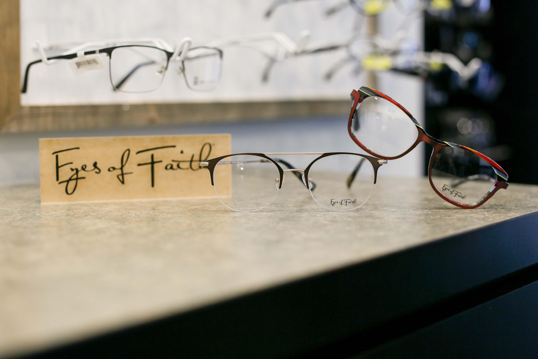 Davis Eye Associates Optometrist In Fayetteville Ar Of Faith Display